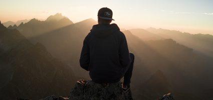 """""""Een dappere man is niet hij die geen angst voelt, maar hij die zijn angst weet te overwinnen."""""""